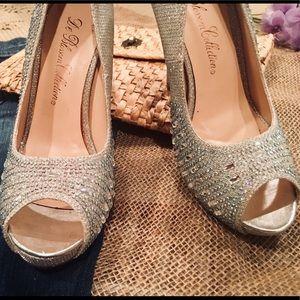 """De Blossom Collection"" Silver Rhinestoned Heels"
